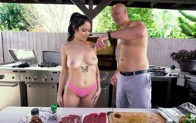 bangyngr-melody-foxx-gets-her-pussy-stuffed-with-meat-at-a-bbq