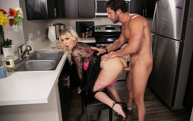 daywithapornstar-kenzie-taylor-kenzie-chooses-dick-over-dishes