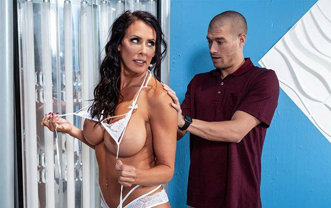 mommygotboobs-reagan-foxx-bronzing-in-the-batter-s-booth